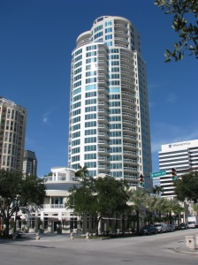 Ovation on Beach Drive, Center Stage Downtown St. Petersburg